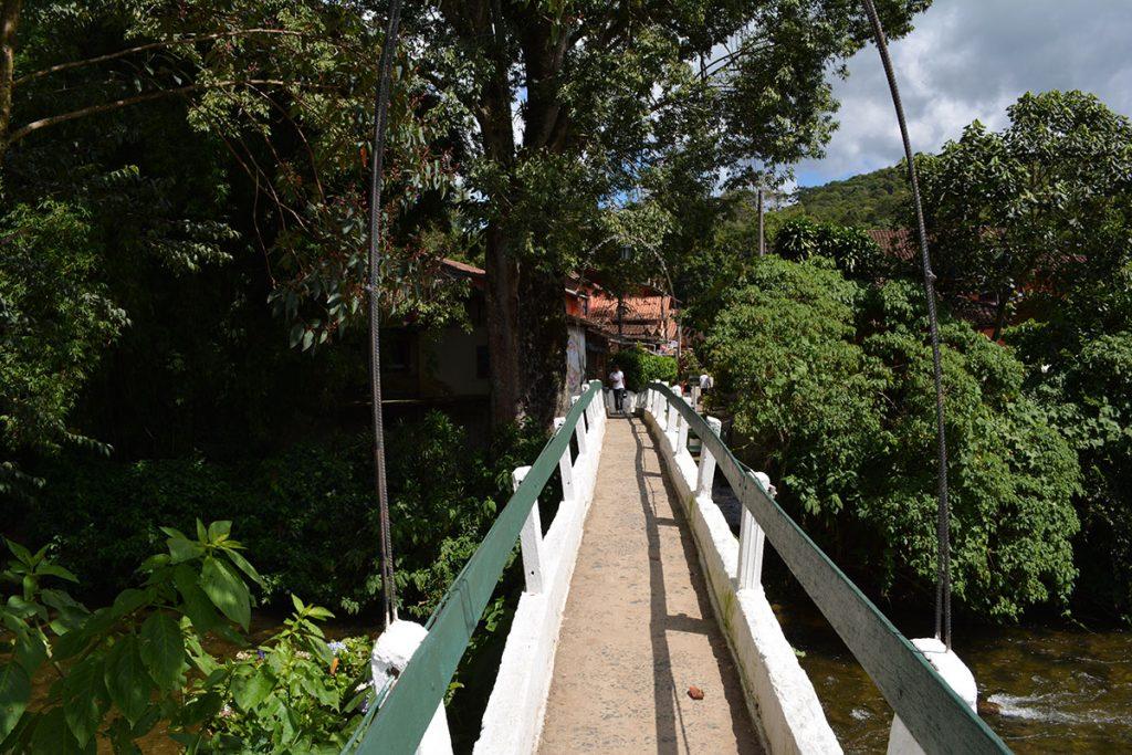 Ponte sobre o Rio Preto - Maringá MG e Maringá RJ
